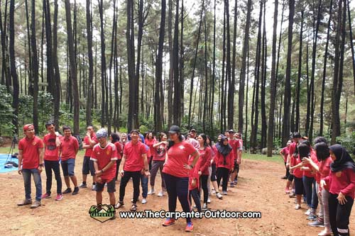 https://www.thecarpenteroutdoor.com/wp-content/uploads/2019/02/Team-Building-perusahaan.jpg