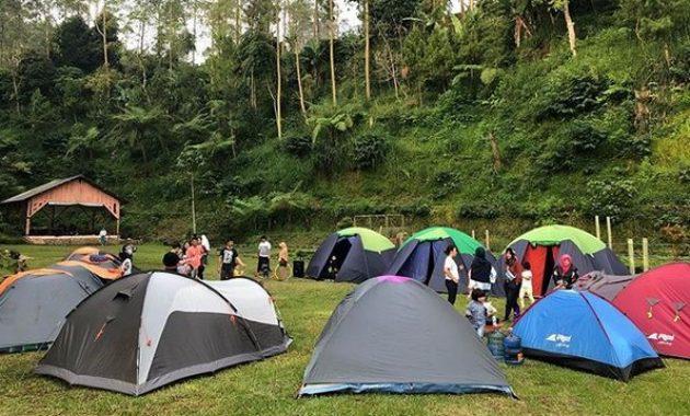 https://www.thecarpenteroutdoor.com/wp-content/uploads/2020/03/ciwangun-indah-camp-Bandung.jpg